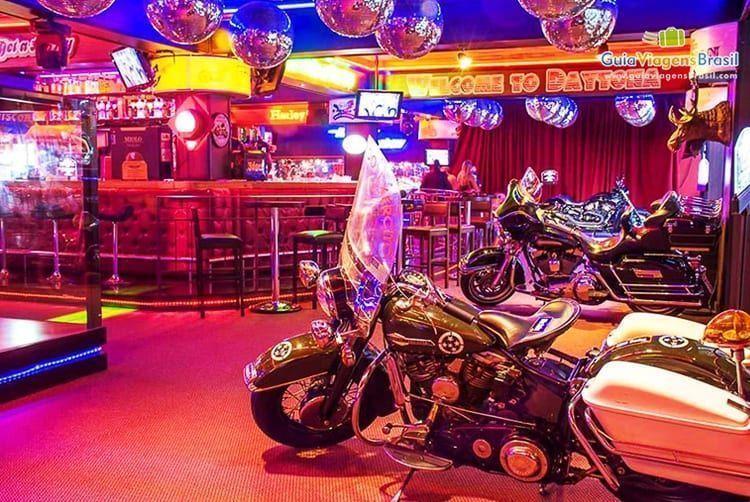 gramado-museudasmotos-motos-motociclestas-pub-bebidas-estrada-aventura-desbraveomundo-jumpers
