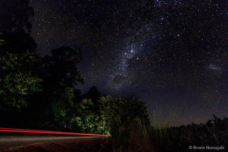 Via Láctea vista da estrada